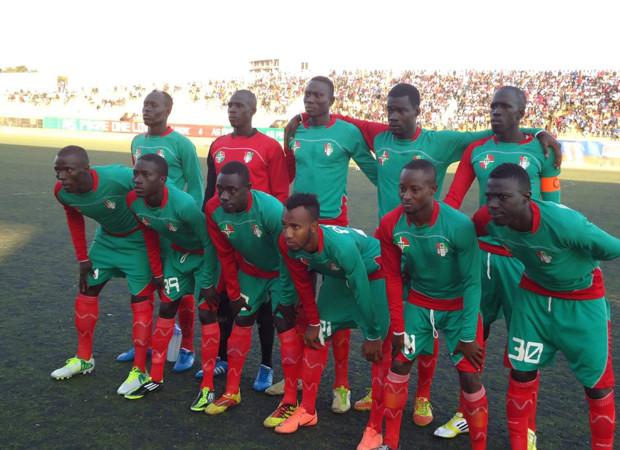 Football : L'AS Pikine tire son épingle du jeu à Dakar, Ngor perd sur le fil à Douala
