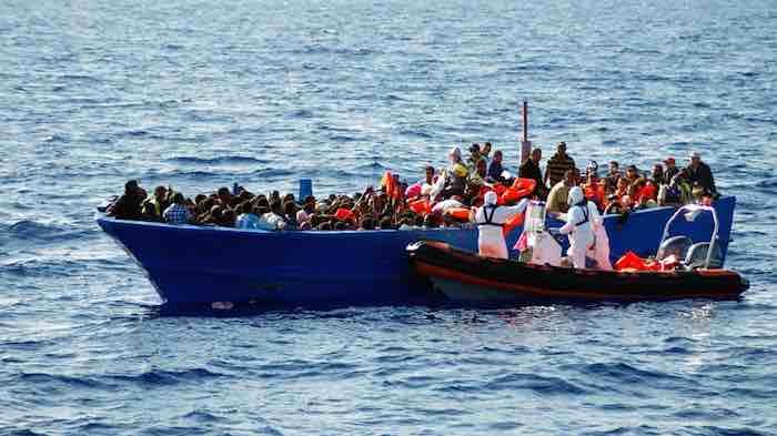 Immigration clandestine : partie de la Gambie, une pirogue échoue à Dakar, 33 personnes interpellées