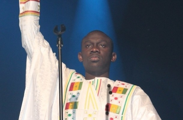 Le célèbre chanteur Pape Diouf faussaire ? Difficilement croyable !