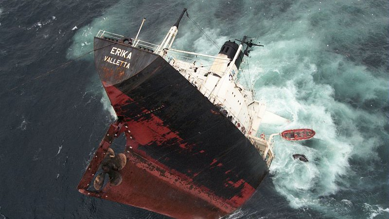 Naufrage du navire russe Oleg Naydenov : La réaction de Greenpeace Afrique