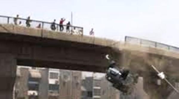 Le Pont »Sénégal 92» dynamité hier, samedi, quelques dégâts collatéraux notés