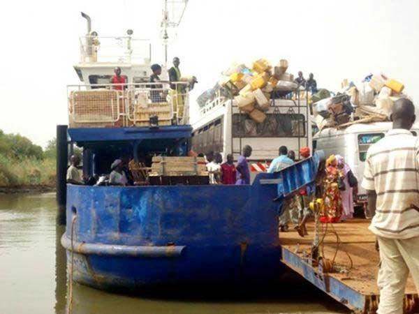 Sénégal/Gambie : Yaya Jammeh de plus en plus raisonnable supprime sa taxe et accepte de négocier à Dakar