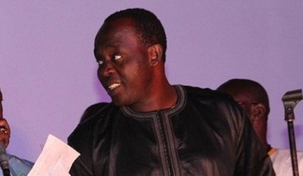 Le protocole du pays recadre les griots Macky Sall qui calme le »jeu»