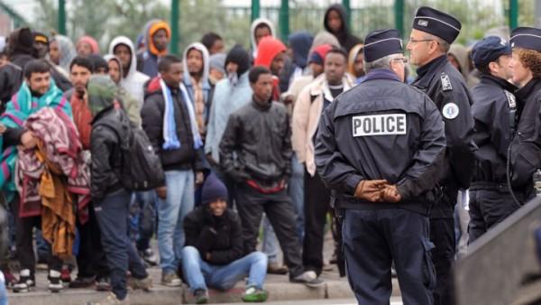 Migration clandestine  Un passeur sénégalais dans de sales draps