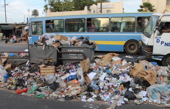 Lendemain de la Tabaski  Dakar entre mauvaise odeur et tas d'immondice