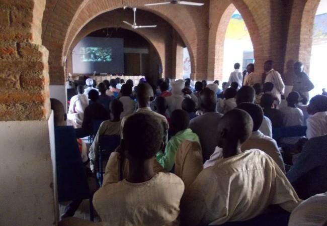 Projection-débat à Abéché : la population veut voir le procès de Hissein Habré