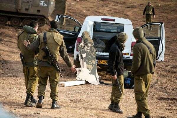 Cisjordanie, venus couvrir des heurts  après les funérailles d'un Palestinien tué, deux journalistes de l'AFP agressé par l'armée israélienne