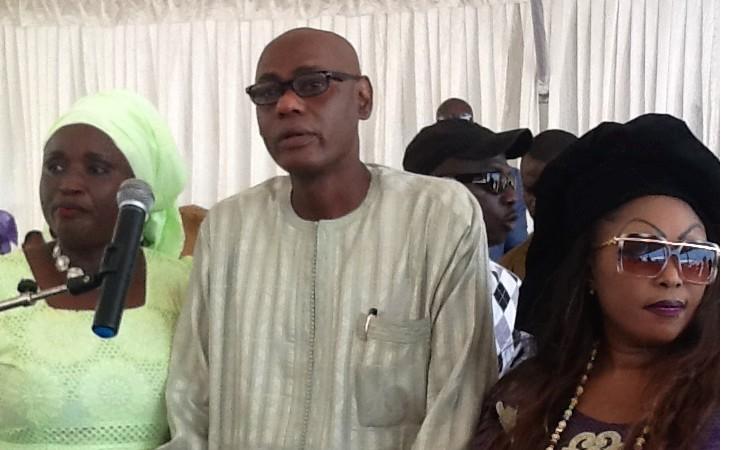 Insolite: Youssou Touré fond en larmes avant son plaidoyer pour le renforcement des langues nationales