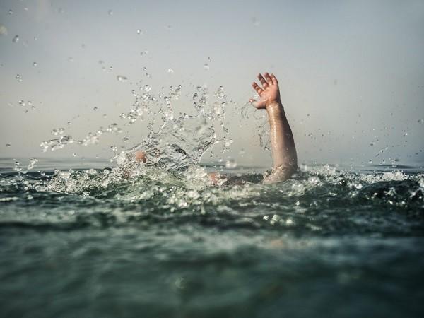 Un navire fend leur pirogue en deux, trois des cinq pêcheurs portés disparus