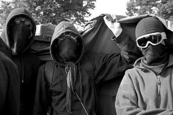 Insécurité galopante Une bande d'individus encagoulés sème la terreur au centre du pays