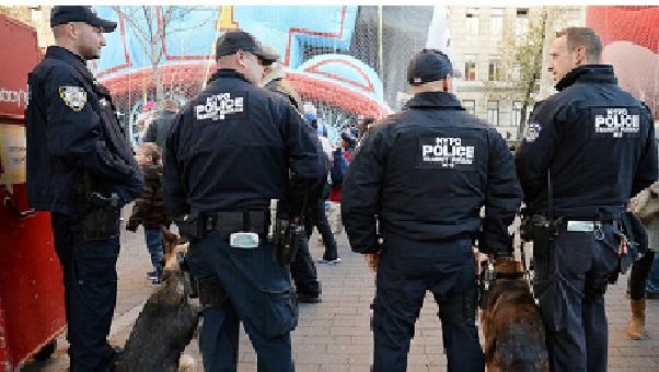 New York Le plus grand nombre de policiers jamais vu pour une protection du Thanksgiving