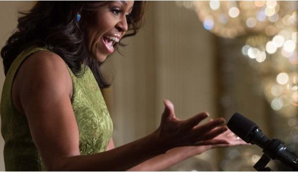 Musique :  Michelle Obama en duo avec College Humor dans une vidéo encourageant les ados à fréquenter les universités