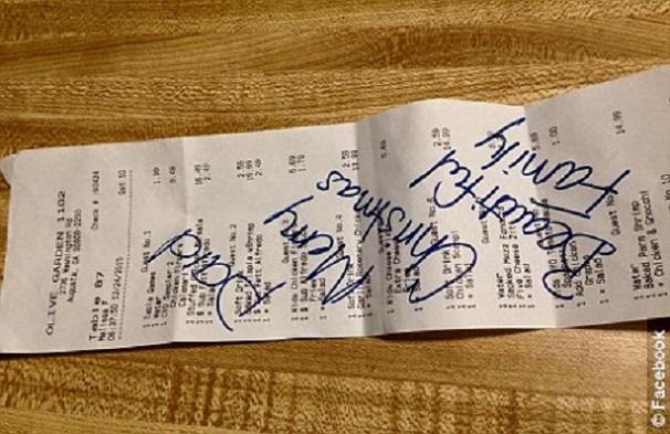 USA/Georgie  Surprise d'un sympathique client, il  paie un diner à un groupe de musulmans pour célébrer noël