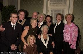 Daniel (extrême gauche)  en famille, y compris leur mère Thérèse de 88 ans,  (photo, au centre, en 2006)