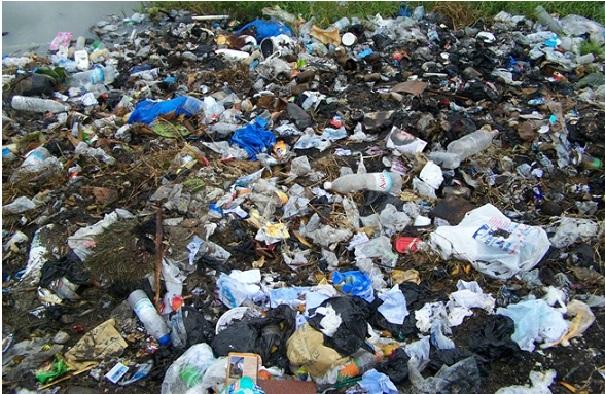 Déchets : des millions de tonnes de plastique déversées par les pays occidentaux sur les côtes paradisiaques de pays en développement, alerte Avaaz