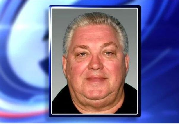 New Jersey  Un homme se fait passer pour un policier et blesse un vrai agent en civil
