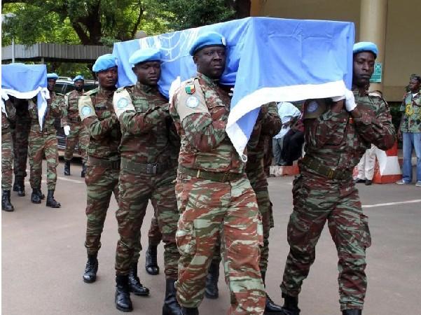 Mali : Deux casques bleus tués ce vendredi, trente blessés dont 7 dans un état grave