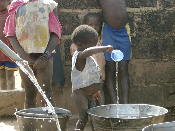 Amélioration de l'accès à l'eau potable et à l'assainissement en milieu rural : 18,6 milliards FCFA financés par l'UE pour le programme PEPAM-UE