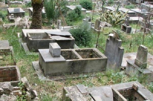 La série noire et mystique continue : Des tombes sont profanées aussi à l'intérieur du Pays