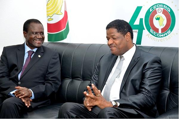Commission de la CEDEAO Marcel Alain de Souza succède officiellement à Kadré Désiré Ouédraogo, le président sortant