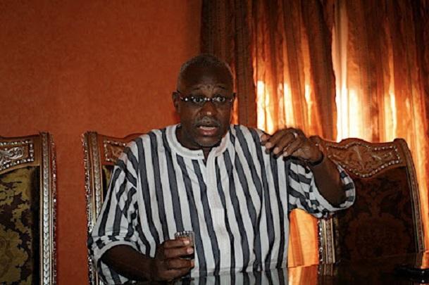 Ouakam Réaction de Mbackyou Faye suite à la manif' d'hier Ces terres m'appartiennent depuis 10 ans… !