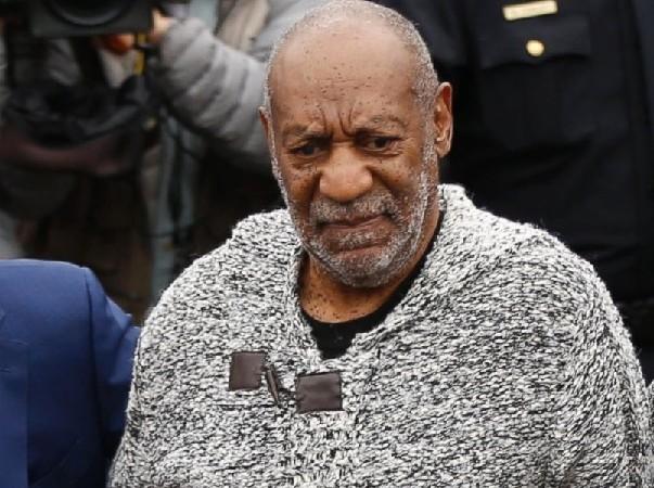 Viols en série Les choses se corsent pour Bill Cosby , il va bientôt comparaître