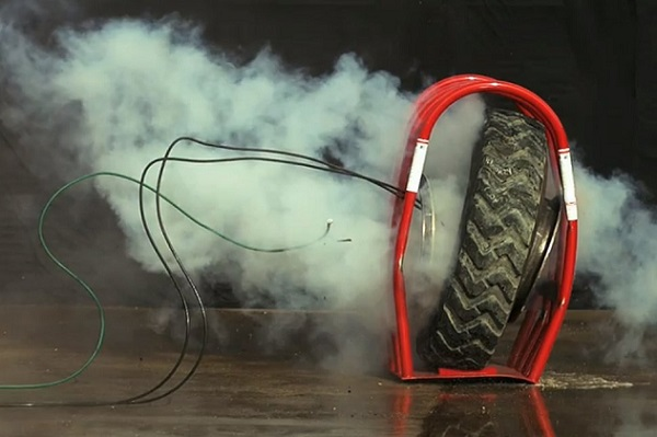 Drame à Petit-Mbao Un vulcanisateur et son fils emportés par l'éclatement d'un pneu