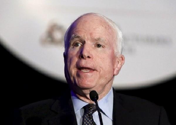 Pour McCain: Obama est «Directement responsable» du massacre d'Orlando