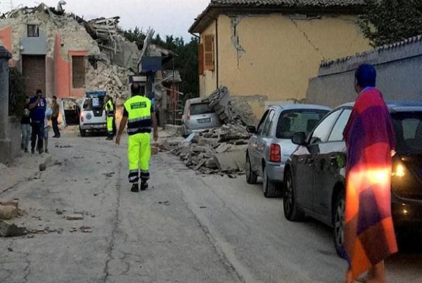 Le séisme en Italie a fait au moins 73 morts, selon un nouveau bilan