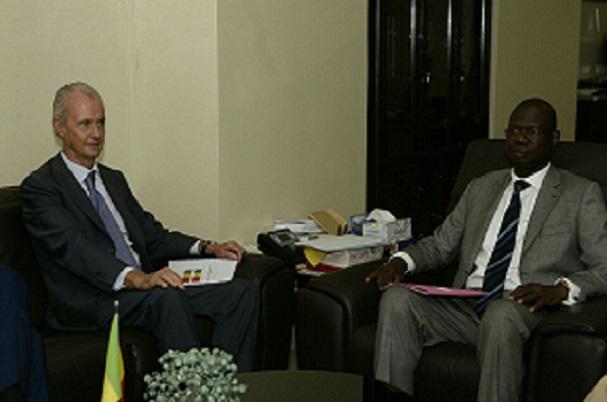 Coopération Sénégal/Espagne le Ministre de la Défense d´Espagne, M. Pedro Morenés, était en visite à Dakar
