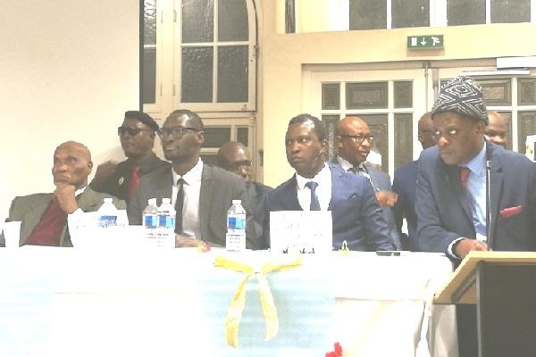 France Débat sur la démocratie sénégalaise, Abdoulaye Wade, l'invité d'Honneur bien présent