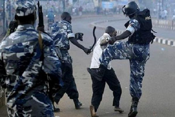 Abus d'autorité à la cité Hamo 2 : La police malmène un jeune homme qui a « osé » montré un passeport à la place d'une carte d'identité