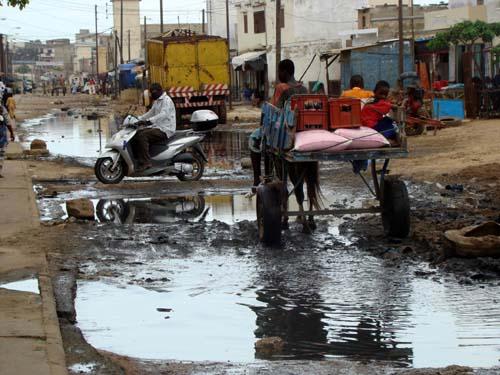 Gestion des eaux pluviales :Le PROGEP  réalise des ouvrages  permettant leur évacuation rapide vers la mer