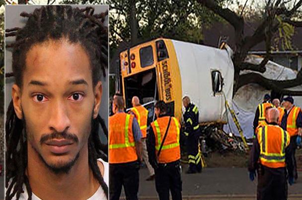Coïncidence ou coup de folie ? «Êtes-vous prêts à mourir?»  lance un chauffeur à des élèves avant son accident qui fait 5 morts