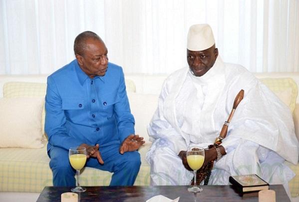 Gambie Soulagement à Banjul, Yaya quitte le palais, en route vers l'aéroport, fait escale à l'hôtel où loge Alpha Condé