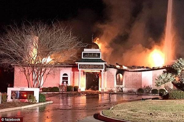 Texas La mosquée détruite quelques heures après le décret de Trump interdisant l'immigration à 7 pays musulmans
