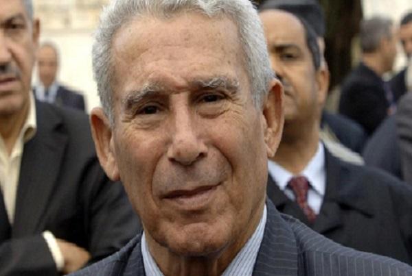 Algérie Chouaïb Oultache, reconnu coupable de l'assassinat du chef de la police, Ali Tounsi, condamné à mort