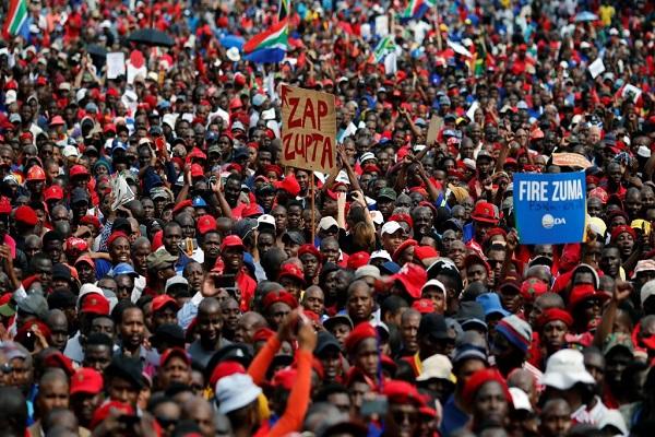 Afrique du Sud: L'opposition fête à sa manière l'anniversaire du président par une  manifestation demandant son départ