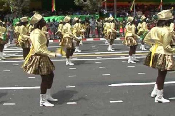 Ziguinchor des officiels gambiens et bissau-guinéens, invités d'honneur du défilé