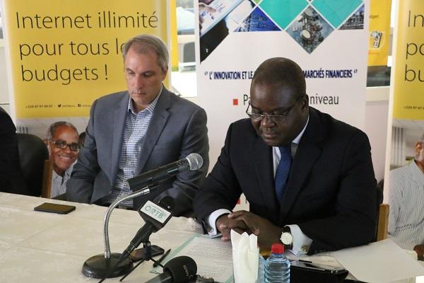 BRVM déploiement au Bénin du service d'informations boursières sur le téléphone mobile dénommé « Infos BRVM »