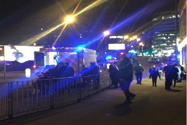 Manchester « plusieurs morts et des blessés », après une possible explosion à proximité d'une salle de concert, selon la police