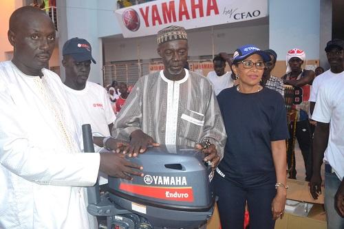Yoff : 25 moteurs et un Cheque de 15 millions de F Cfa reçus par les pêcheurs
