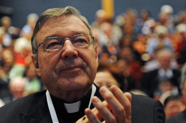 Australie : Le cardinal George Pell, n°2 du Saint-Siège, inculpé pour des sévices sexuels sur des enfants