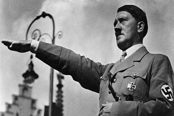 Coucou d'Adolf Hitler : Des scientifiques russes découvrent une base secrète militaire nazie dans l'Arctique