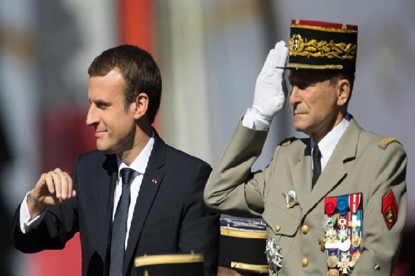 France : une première sous la 5é République, le chef d'état-major des armées claque la porte