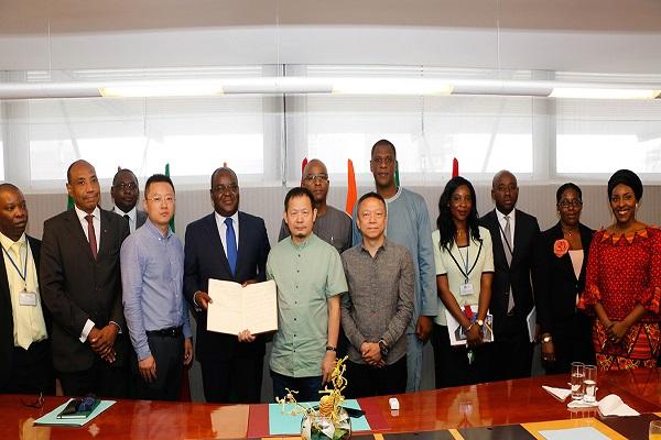 Bourse : le PDG et fondateur du Groupe chinois Zendaï en visite à la BRVM
