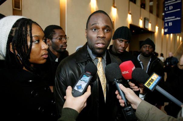S'est-il brulé les doigts ? Kémi Séba, un activiste,  arrêté suite à une plainte de la BCEAO