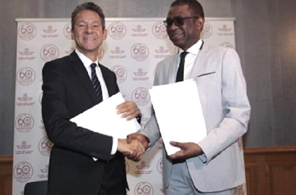 La compagnie Royal Air Maroc enrôle Youssou Ndour