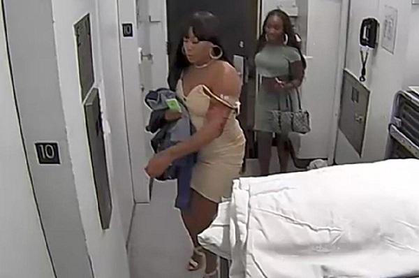 Vol dans un hôtel de luxe : deux femmes très sexy raflent une valeur de 16 000 dollars à  un homme de 78 ans