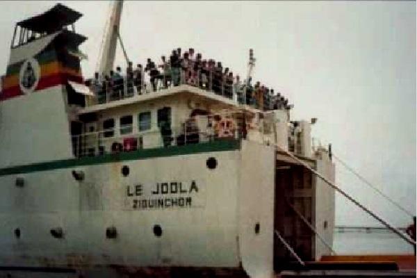 Des familles sénégalaises déçues — Anniversaire du Joola